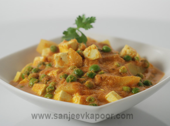 How to make aloo matar paneer recipe by masterchef sanjeev kapoor forumfinder Images