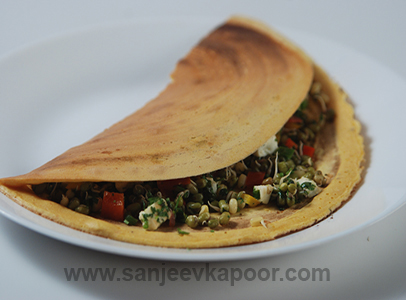 Besan Pancake With Sprouts And Paneer