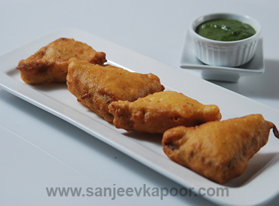 Bread And Cheese Pakoda