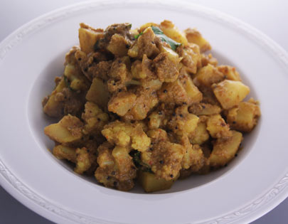Cauliflower And Potato Sukke