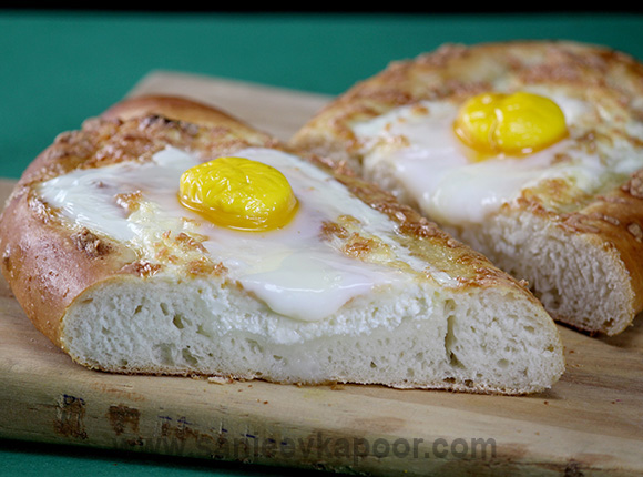How to make cheese and egg bread recipe by masterchef sanjeev kapoor cheese and egg bread forumfinder Images