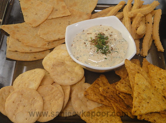 Cheesy Chaat Dip with Crispies