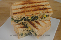 Cheesy Spinach and Corn Grilled Sandwich