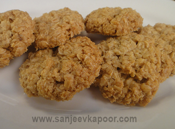 Chewy Oat Cookies