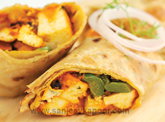 How to make chicken kathi roll recipe by masterchef sanjeev kapoor chicken kathi roll forumfinder Image collections