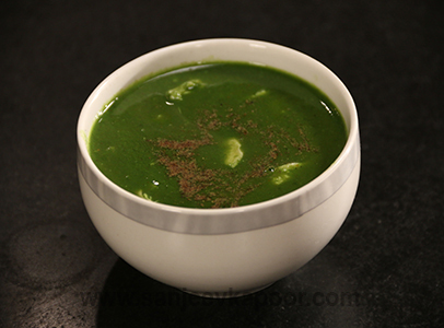 How to make chicken spinach soup recipe by masterchef sanjeev kapoor chicken spinach soup forumfinder Gallery