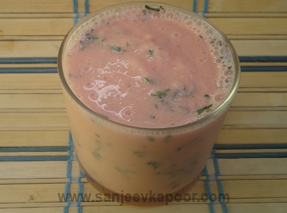 Chilled Watermelon and Yogurt Smoothie