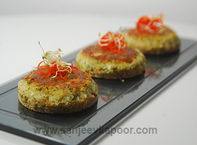How to make Chilli Zucchini Toast, recipe by MasterChef Sanjeev Kapoor