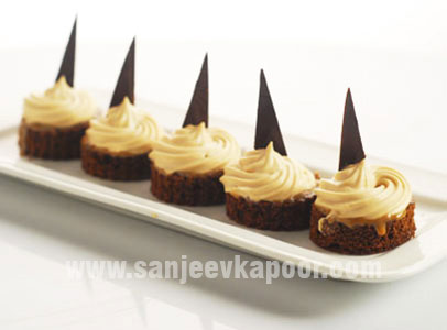 How to make coffee mousse canape recipe by masterchef for Types of canape bases