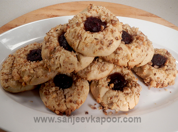 Cranberry Centered Thumbnail Cookies