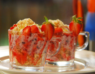 Crunchy Yogurt with Strawberries