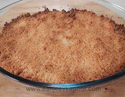 Date and Mixed Fruit Crumble
