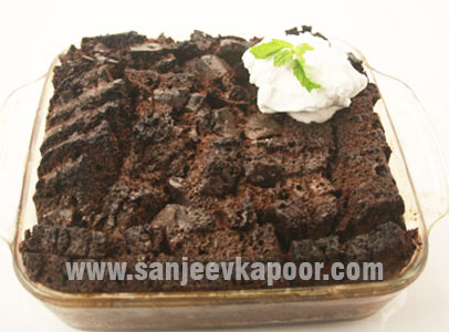 Healthy recipes for kids by master chef sanjeev kapoor double chocolate pudding with strawberry preserve forumfinder Images