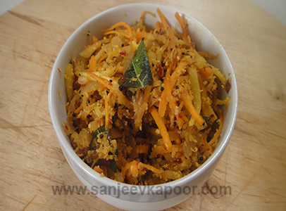 Green Papaya and Carrot Thoran