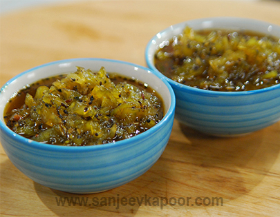 Green Tomato and Kiwi Chutney
