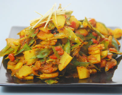 Green Peas Peel and Potato Bhaji