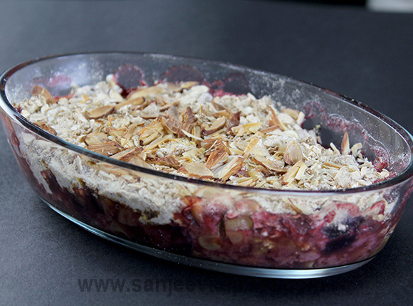 Healthy Fruit and Nut Crumble
