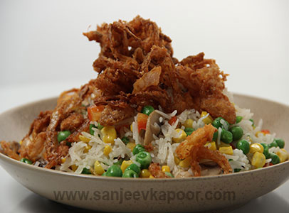 Instant Veg Pulao with Onion Bhajia