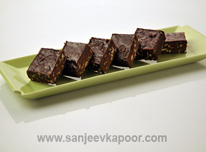 Jaggery And Chocolate Fudge