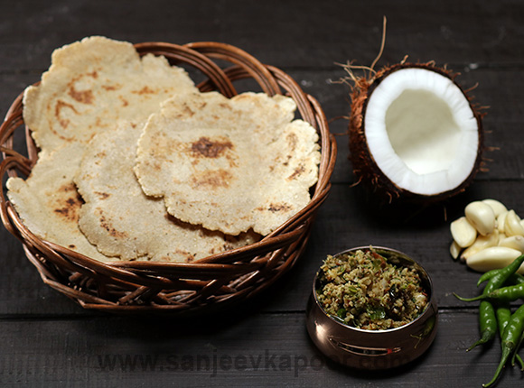 Jowar Bhakri with Thecha