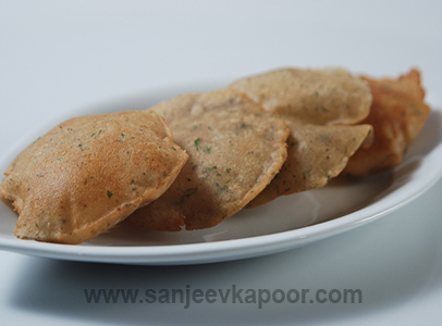 How to make kootoo ke aate ki puri recipe by masterchef sanjeev how to make kootoo ke aate ki puri recipe by masterchef sanjeev kapoor forumfinder Gallery