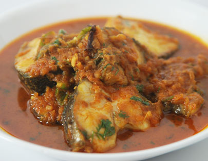 How to make macher kalia recipe by masterchef sanjeev kapoor for more recipes related to macher kalia checkout bengali fish curry fish moilee doi mach chinese style steamed fish you can also find more main course forumfinder Gallery