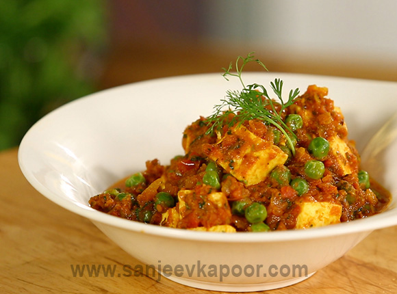 How to make matar paneer recipe by masterchef sanjeev kapoor for more recipes related to matar paneer checkout spiced coconut sweet potato you can also find more main course vegetarian recipes like vegetable forumfinder Gallery