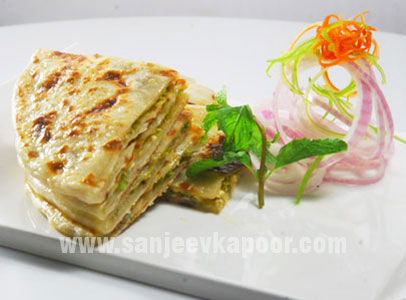How to make matar paneer kulcha recipe by masterchef sanjeev kapoor for more recipes related to matar paneer kulcha checkout matar paneer parantha you can also find more breads recipes like tandulachi bhakri baby bajra forumfinder Images