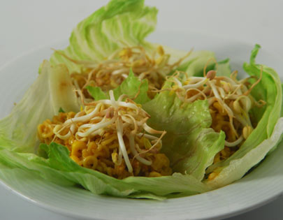 How to make Noodle Wrap - Cooked instant noodles mixed with corn and served in lettuce cups