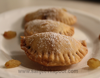 Oats and Dates Gujiya - Diwali Special