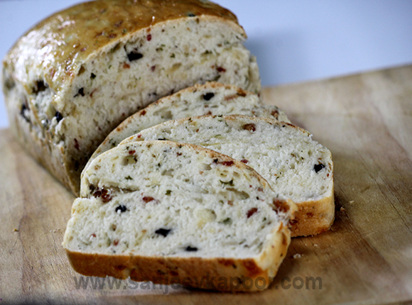 Olive Bacon and Cheese Bread