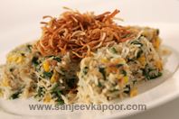 Palak And Pearl Rice With Crispy Noodles