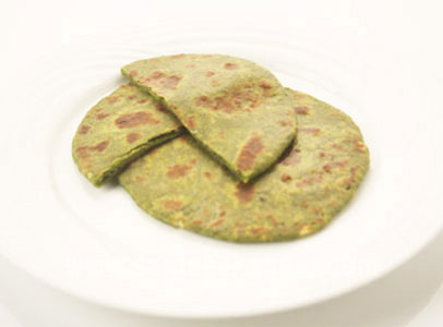 How to make palak paneer paratha recipe by masterchef sanjeev kapoor for more recipes related to palak paneer paratha checkout palak aur paneer parantha palak phulka palak aur paneer parantha missi roti palakwali forumfinder Gallery