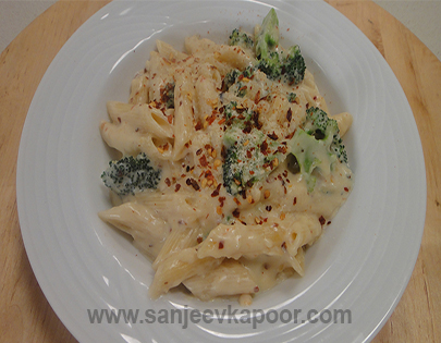 Penne and Broccoli in Creamy Sauce