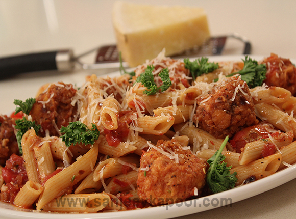 Penne with Spicy Paneer Balls in Tangy Tomato Sauc