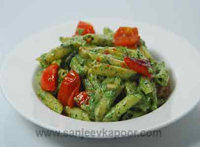 Penne with Spinach Pesto
