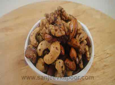 Peppery Nuts
