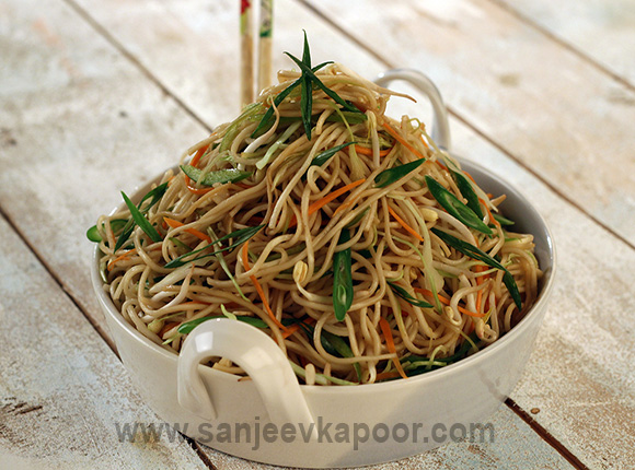 How to make perfect hakka noodles recipe by masterchef sanjeev kapoor for more recipes related to perfect hakka noodles checkout flat noodles lime noodles with basil pad thai yum yum noodles daarsaan forumfinder Gallery