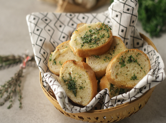 ROASTED GARLIC BREAD - skk