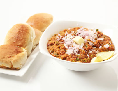 How to make rajma pav bhaji recipe by masterchef sanjeev kapoor you can also find more snacks and starters recipes like cheesy potato croquettes banana walnut loaf chocolate sandwich cookies palak paneer forumfinder Images
