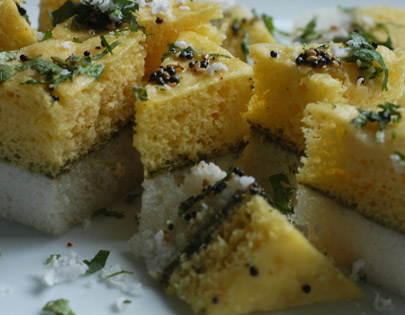 How to make sandwich dhokla recipe by masterchef sanjeev kapoor sandwich dhokla forumfinder Images