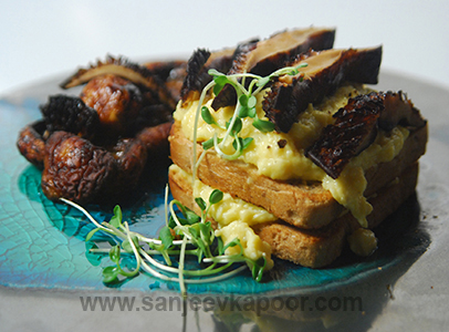 Scrambled Eggs with Roasted Mushroom