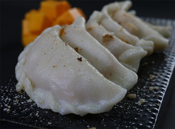 How to make steamed mango dumplings recipe by masterchef sanjeev kapoor steamed mango dumplings forumfinder Gallery