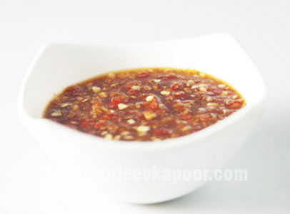 How to make thai style red chilli sauce recipe by masterchef how to make thai style red chilli sauce recipe by masterchef sanjeev kapoor forumfinder Gallery