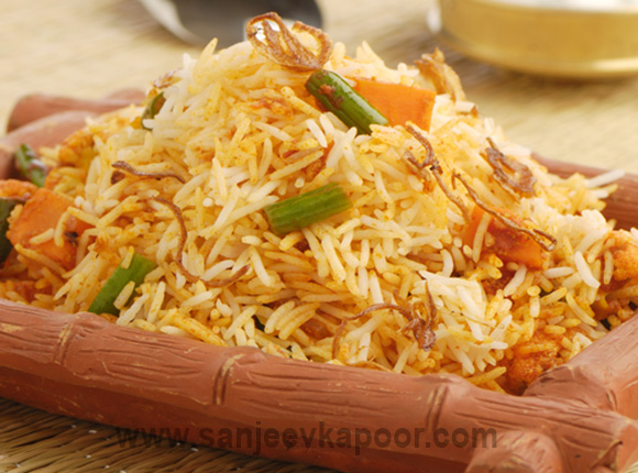 Traditional and delicious indian and international food recipes by vegetable biryani forumfinder Images
