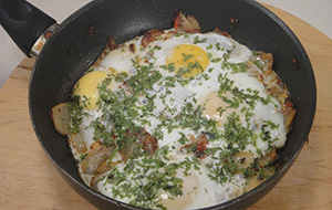 Papeta par Eeda (Parsi Style Potato and Eggs)