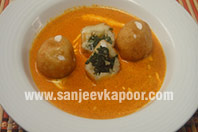 Spinach and Paneer Kofta in Makhni Gravy