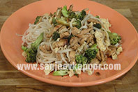 Stir Fried Chicken with Rice Noodles